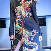 """Одежда ручной работы. Ярмарка Мастеров - ручная работа Пальто с роскошной вышивкой из плотного шелка """"Восточный Дракон"""". Handmade."""