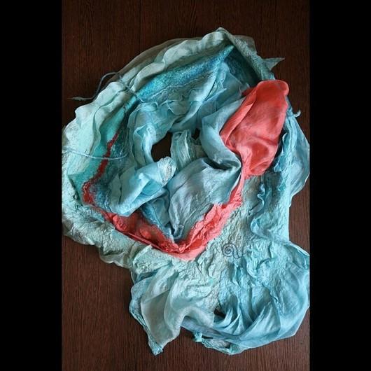 """Шарфы и шарфики ручной работы. Ярмарка Мастеров - ручная работа. Купить Авторский шарф """"Сны"""" войлочный, шелковый. Handmade. Голубой"""