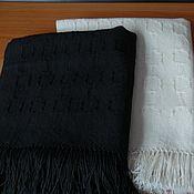 """Комплект тканых полотенец """"Он и она"""", белое и черное полотенца"""