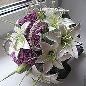 Свадебный салон ручной работы. Ярмарка Мастеров - ручная работа Букет из белых лилий и сиреневых гвоздик. Handmade.