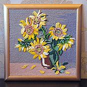 Картины ручной работы. Ярмарка Мастеров - ручная работа Картина вязанная из пряжи Объемный букет подсолнухов в вазе 40 х 40 см. Handmade.
