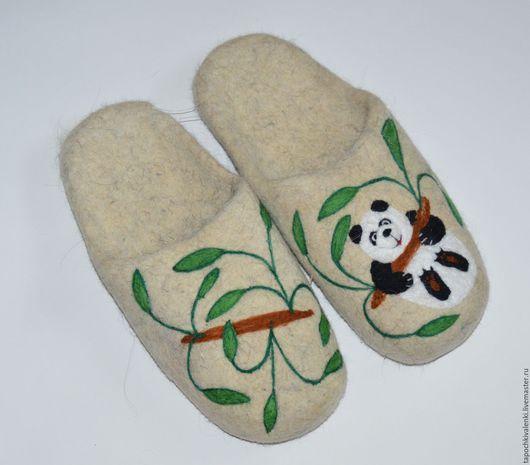 """Обувь ручной работы. Ярмарка Мастеров - ручная работа. Купить Мужские валяные тапочки """"Панда"""". Handmade. Белый, шерсть"""