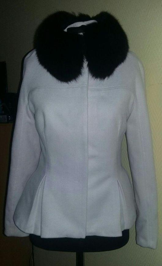 Верхняя одежда ручной работы. Ярмарка Мастеров - ручная работа. Купить Короткое зимнее пальто с мехом. Handmade. Пальто