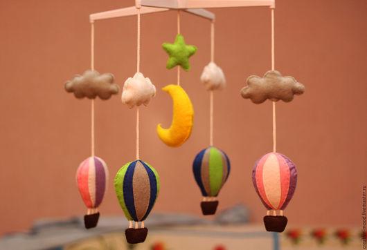 """Развивающие игрушки ручной работы. Ярмарка Мастеров - ручная работа. Купить Мобиль """"Воздушные шары"""". Handmade. Комбинированный, фетр"""