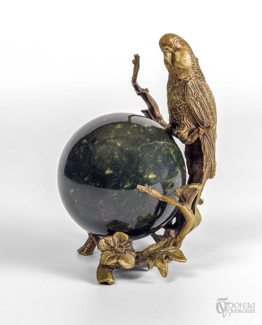 Статуэтки ручной работы. Ярмарка Мастеров - ручная работа. Купить Попугай на шаре. Handmade. Шар из камня, статуэтка, скульптурная миниатюра