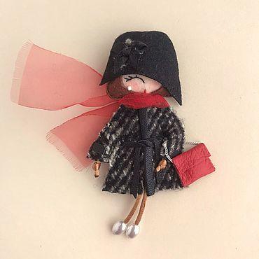 Украшения. Ярмарка Мастеров - ручная работа Брошь-куколка из фетра. Handmade.