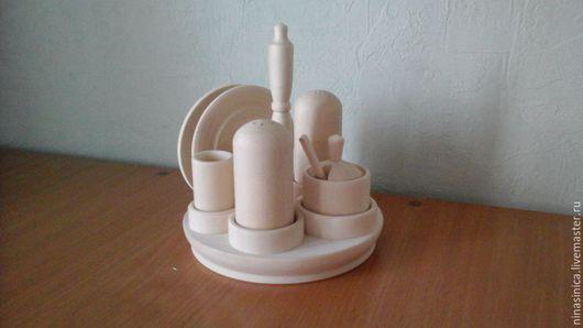 Цена 410 рубл.                                                                    Очень красивый набор для специй( солонка, перечница, салфетница, баночка для горчицы и для зубочисток.