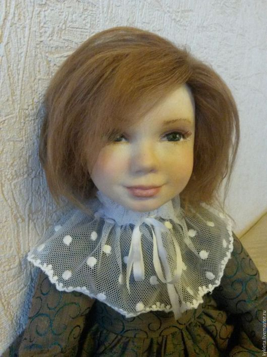 Коллекционные куклы ручной работы. Ярмарка Мастеров - ручная работа. Купить Кукла из пластика Машенька. Handmade. Тёмно-зелёный, пелерина