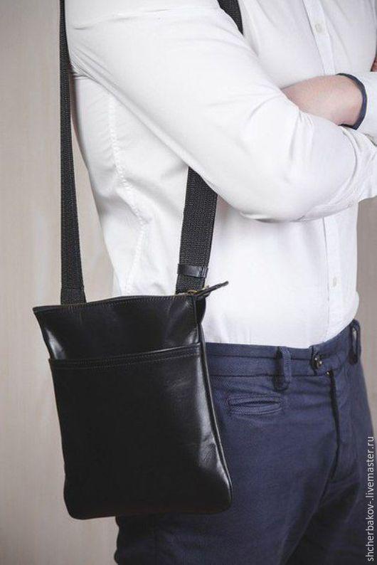 Мужские сумки ручной работы. Ярмарка Мастеров - ручная работа. Купить Кожаная сумка + подарок!). Handmade. Черный, мужская