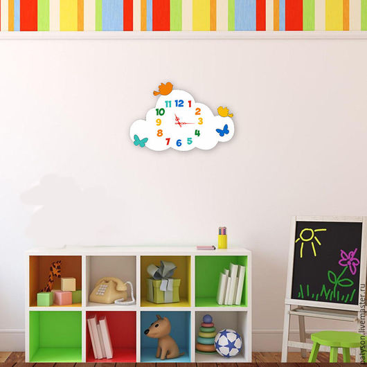 Стильные и позитивные часы станут яркой деталью интерьера детской комнаты.
