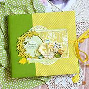 Подарки к праздникам ручной работы. Ярмарка Мастеров - ручная работа Фотоальбом для девочки желтый с цветами, подарок для новорожденного.. Handmade.