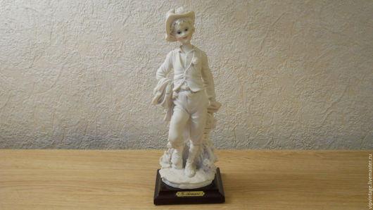 Винтажные предметы интерьера. Ярмарка Мастеров - ручная работа. Купить Capodimonte Giuseppe Armani  Винтажная фарфоровая статуэтка Мальчик. Handmade.