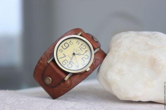 """Часы ручной работы. Ярмарка Мастеров - ручная работа. Купить Часы женские """"Ирис"""". Handmade. Коричневый, широкий браслет"""