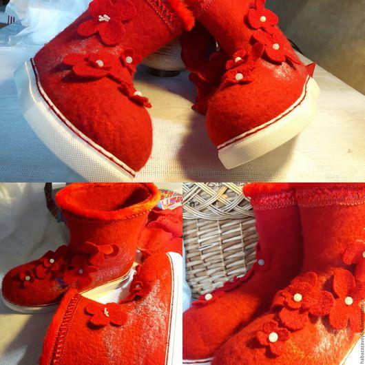 Обувь ручной работы. Ярмарка Мастеров - ручная работа. Купить Валенки КРАСНЫЕ. Handmade. Ярко-красный, валенки ручной работы