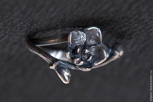 """Кольца ручной работы. Ярмарка Мастеров - ручная работа. Купить Кольцо """"Орхидея"""". Handmade. Чёрно-белый, серебро 925 пробы"""