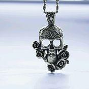 Украшения handmade. Livemaster - original item Silver pendant SKULL IN ROSES. Handmade.