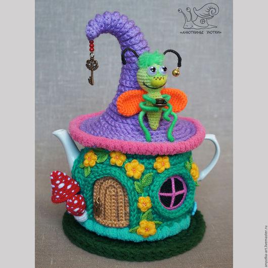 """Кухня ручной работы. Ярмарка Мастеров - ручная работа. Купить Грелка на чайник """"Домик букашки и стрекозы"""" (с чайником). Handmade."""