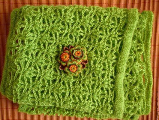 Шарфы и шарфики ручной работы. Ярмарка Мастеров - ручная работа. Купить Ажурный шарф - снуд связаный крючком с брошью - акцентом. Handmade.