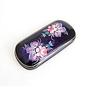 Аксессуары ручной работы. Ярмарка Мастеров - ручная работа Расписной фиолетовый цветочный футляр для очков жесткий. Handmade.