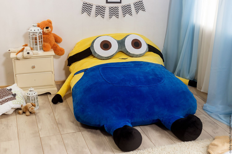 Мягкое кресло игрушка Миньон фото