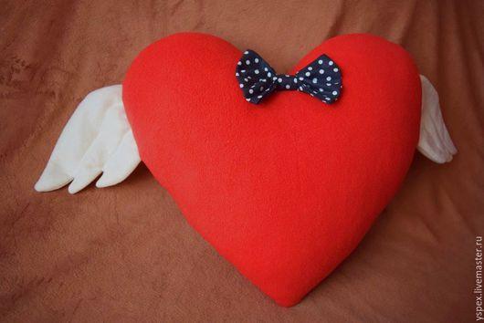 Текстиль, ковры ручной работы. Ярмарка Мастеров - ручная работа. Купить Подушка-сердце. Handmade. Ярко-красный, сердце с крыльями