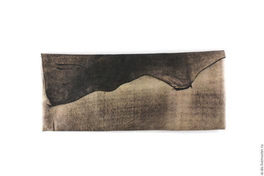 Необычный клатч из натуральной кожи