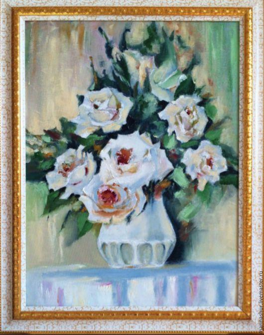 Цветы, розы,белые, в вазе. Картина маслом на холсте. Цветовая гамма белый, бежевый, голубой, зеленый, охра, фиолетовый.
