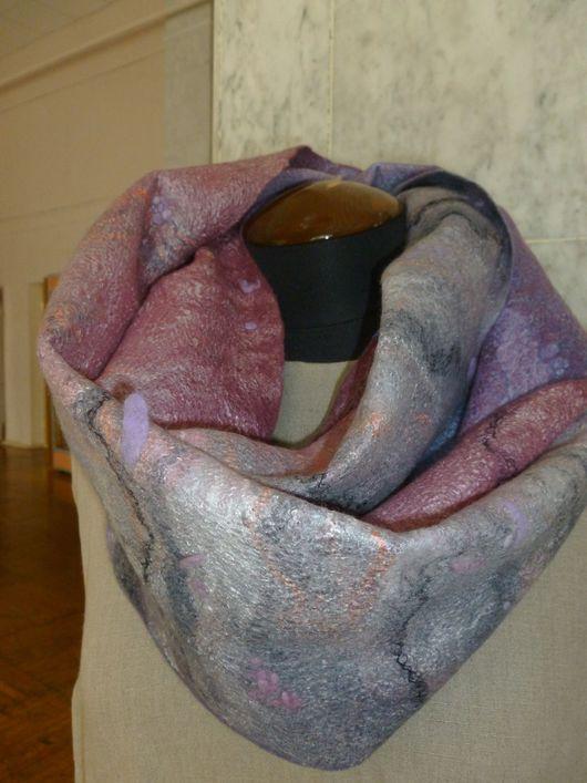 Шарфы и шарфики ручной работы. Ярмарка Мастеров - ручная работа. Купить Валяный шарф-снуд Утро туманное (серо-розовый). Handmade.