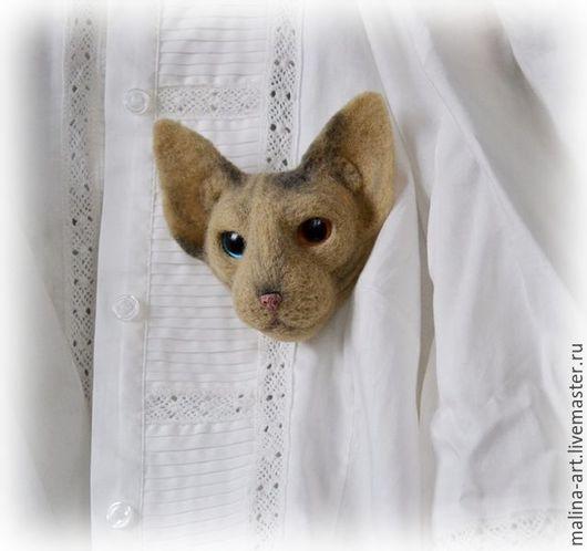 Броши ручной работы. Ярмарка Мастеров - ручная работа. Купить Брошь - Канадский Сфинкс (из войлока). Handmade. Белый, кошка