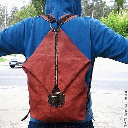 Конечно, лучше всего отправляться на отдых не с тяжелыми сумками, а с легким небольшим багажом, тогда и настроение будет в порядке, и усталость не одолеет,новые рюкзаки от нашей мастерской VOLGA-VOLGA