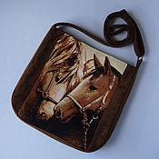 """Сумка через плечо ручной работы. Ярмарка Мастеров - ручная работа Сумка женская из гобелена через плечо коричневая """"Две лошадки"""". Handmade."""