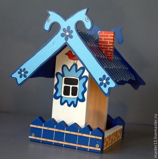 """Экстерьер и дача ручной работы. Ярмарка Мастеров - ручная работа. Купить Кормушка """"Дом с забором и конями"""" синяя. Handmade. Кормушка"""