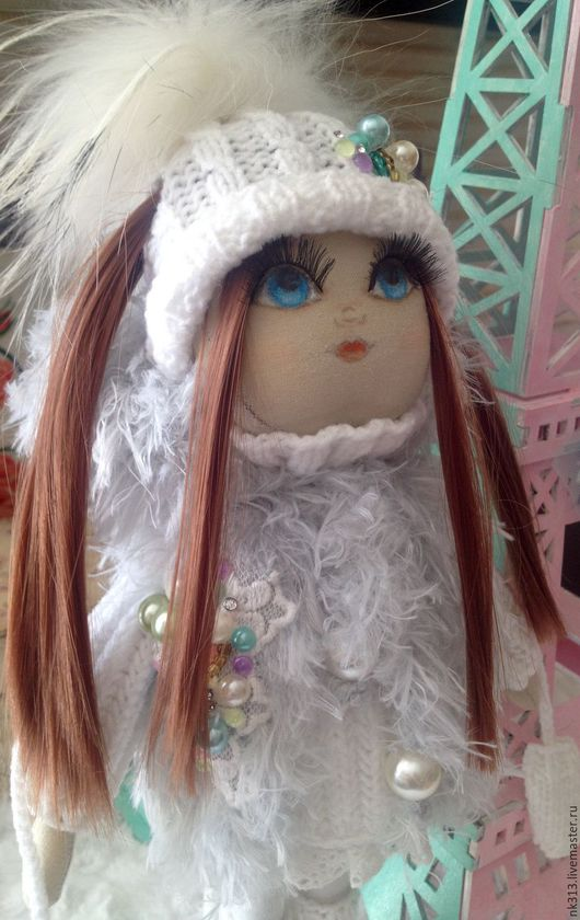 """Человечки ручной работы. Ярмарка Мастеров - ручная работа. Купить """"Жемчужинка"""" кукла текстильная. Handmade. Белый, кукла в подарок, бисер"""