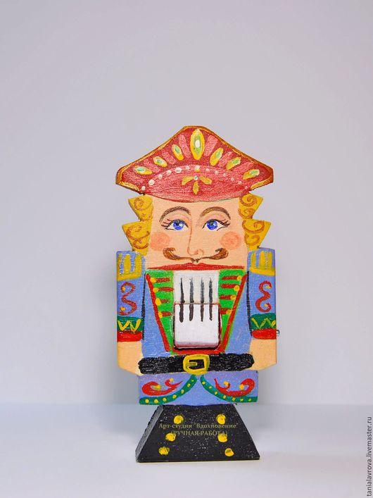 Новый год 2017 ручной работы. Ярмарка Мастеров - ручная работа. Купить Щелкунчик (деревянная игрушка на елку/сувенир). Handmade. Щелкунчик