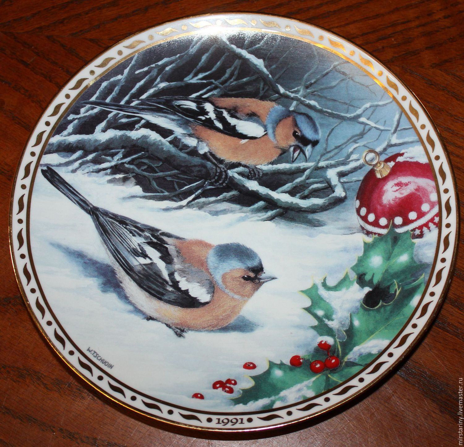 Collectible plate 'Surprise in the snow', Finches, Switzerland, Vintage interior, Moscow,  Фото №1