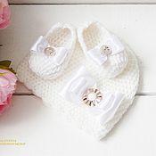 Работы для детей, handmade. Livemaster - original item Set for newborn girl. Hat and booties. Handmade.