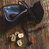 Фен-шуй и эзотерика ручной работы. Ярмарка Мастеров - ручная работа Набор рун  в кожаном мешочке. Handmade.