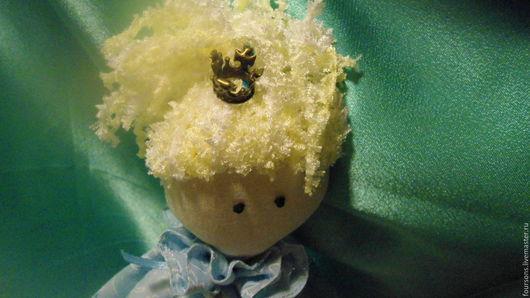 Волосы куклы из буклированной пряжи. Пришивные.