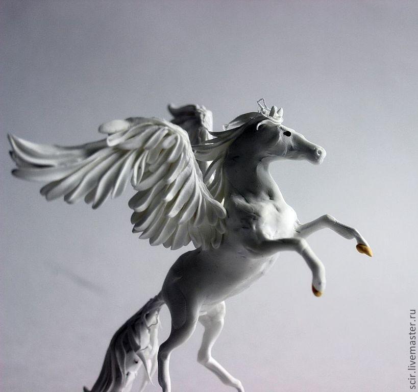фото лошадь пегас