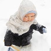 """Куклы и игрушки ручной работы. Ярмарка Мастеров - ручная работа девочка в шубке """"на вырост"""". Handmade."""