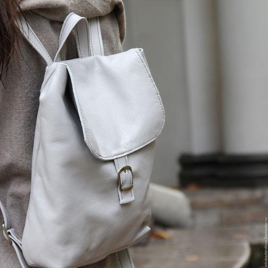 Рюкзаки ручной работы. Ярмарка Мастеров - ручная работа. Купить Женский кожаный серый рюкзак. Handmade. Серый, рюкзак из кожи
