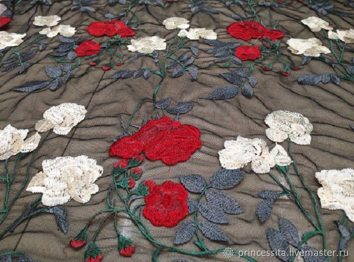 Вышивка розы на сетке 48