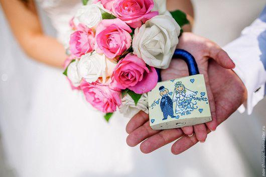 """Свадебные аксессуары ручной работы. Ярмарка Мастеров - ручная работа. Купить Свадебный замочек """"Just Married"""". Роспись.. Handmade."""