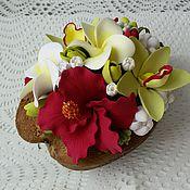 Цветы и флористика ручной работы. Ярмарка Мастеров - ручная работа Кокос с тропическими цветами. Handmade.