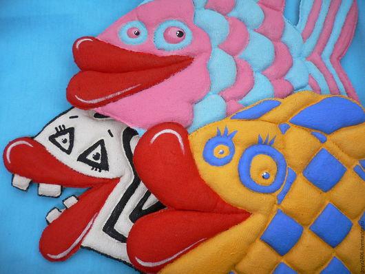 Текстильное панно ручной работы `Чудо-рыбы` Зои Лариной.