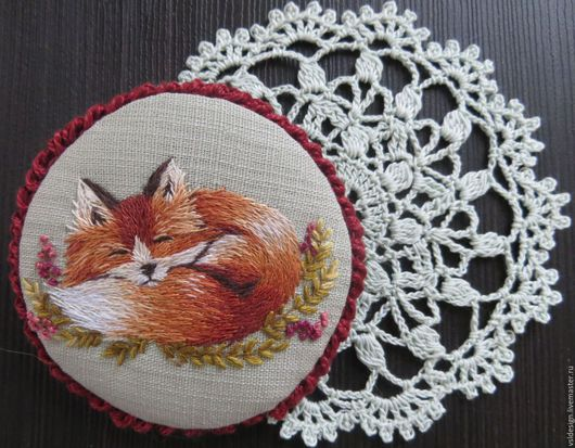 """Броши ручной работы. Ярмарка Мастеров - ручная работа. Купить Брошка с вышивкой """"Лисёна"""". Handmade. Рыжий, лиса в подарок, фауна"""