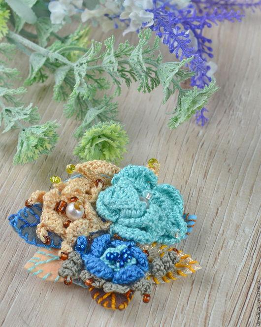 """Броши ручной работы. Ярмарка Мастеров - ручная работа. Купить Вязаная брошь-цветок в стиле """"бохо"""" Голубая лагуна. Handmade."""