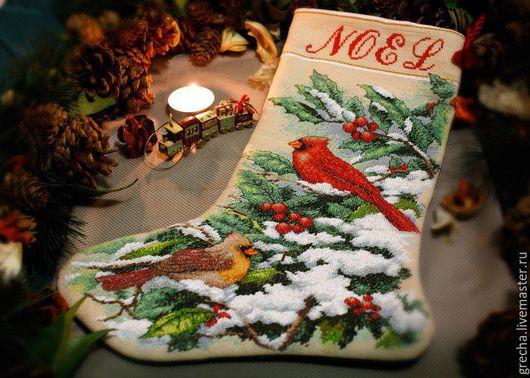 Новый год 2017 ручной работы. Ярмарка Мастеров - ручная работа. Купить Рождественский сапожок с кардиналами. Handmade. Рождественский сапожок, остролист