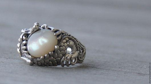 """Кольца ручной работы. Ярмарка Мастеров - ручная работа. Купить Серебряное кольцо-перстень с натуральным жемчугом """"Сокровище Апалалы"""". Handmade."""