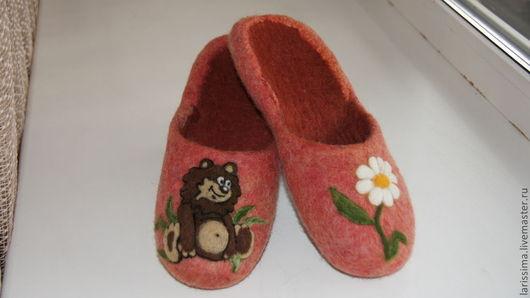 """Обувь ручной работы. Ярмарка Мастеров - ручная работа. Купить Тапочки """" Раз ромашка,два.."""". Handmade. Коралловый"""